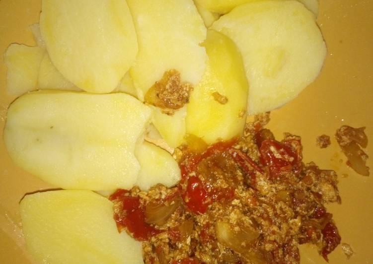 Traditional African Foods Arish & egg sauce