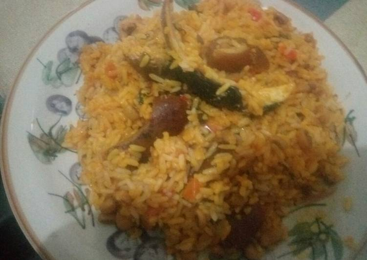 delicious naija traditional jollof rice recipe main photo