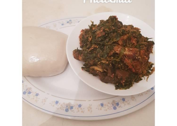 African Cuisine Efo Riro(miyar soyaye alayaho) and tuwo shikafa