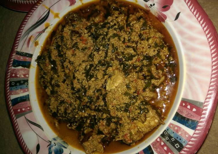 egusi soup wit ugu leaves recipe main photo 1