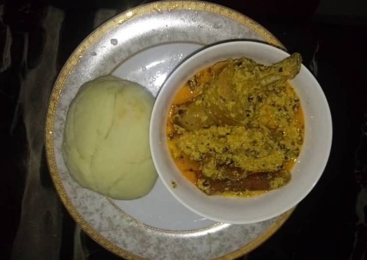 egusi soup with chicken recipe main photo