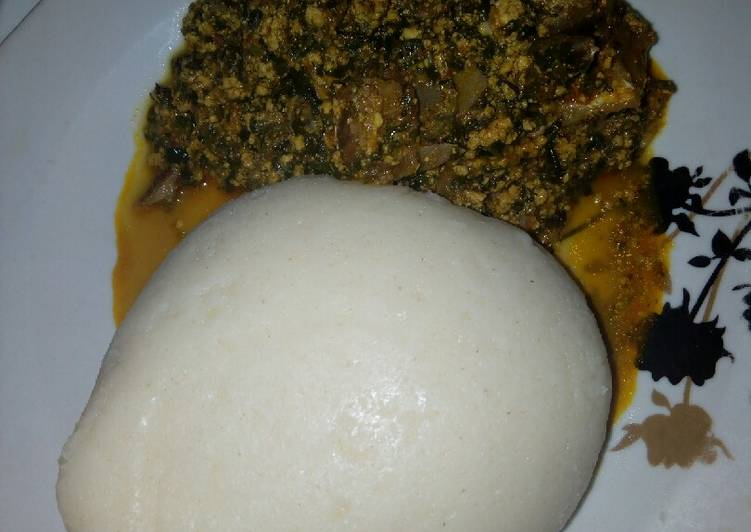 Egusi soup with semo