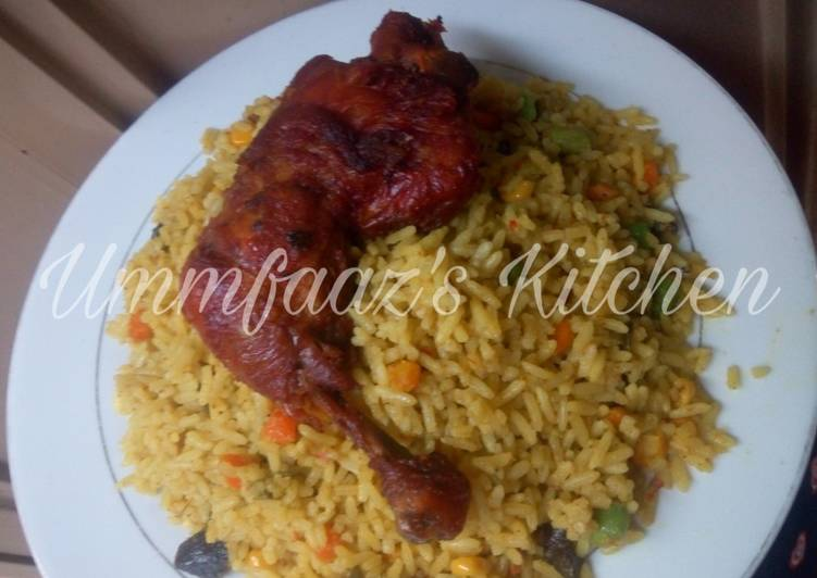 West African Foods Fried rice and chicken