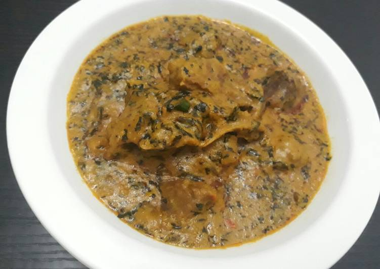 African Food Groundnut soup with bitterleaf