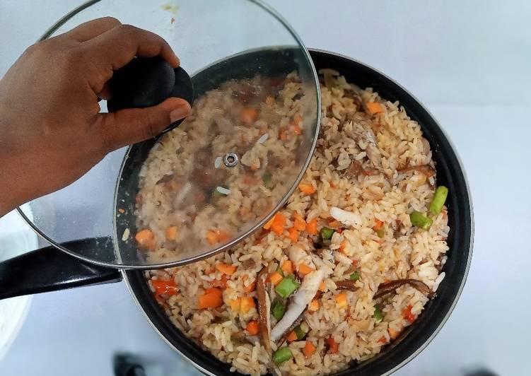 how to make coconut jollof rice recipe main photo