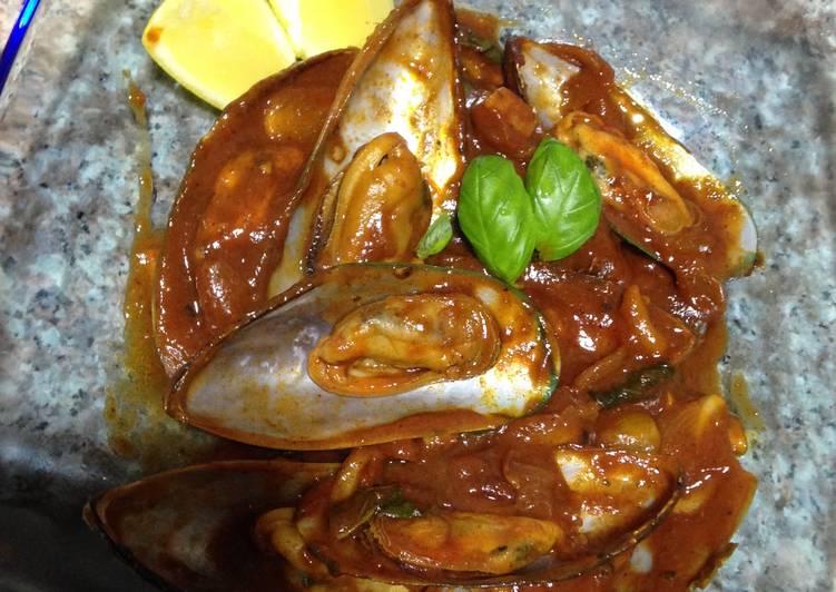 mussels in tomato sauce recipe main photo