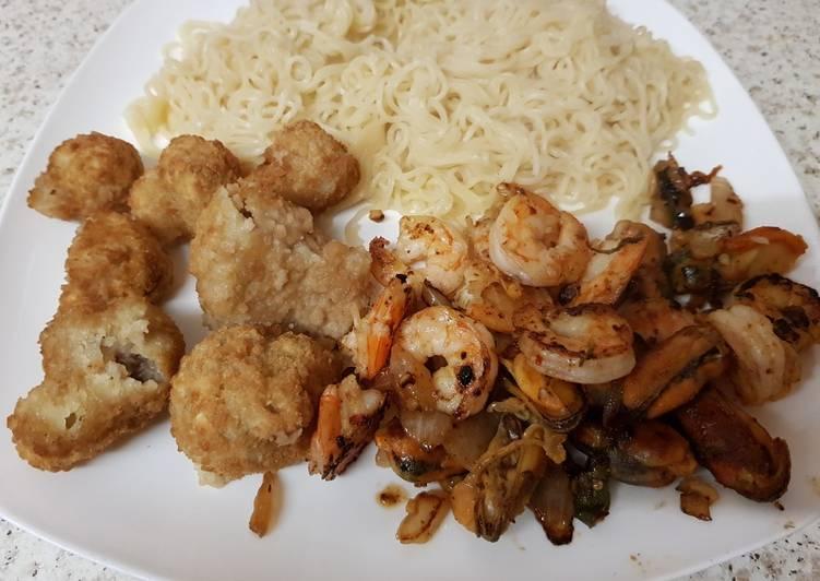 my salt n pepper seasoned prawnsmussels with noodles 😘 recipe main photo