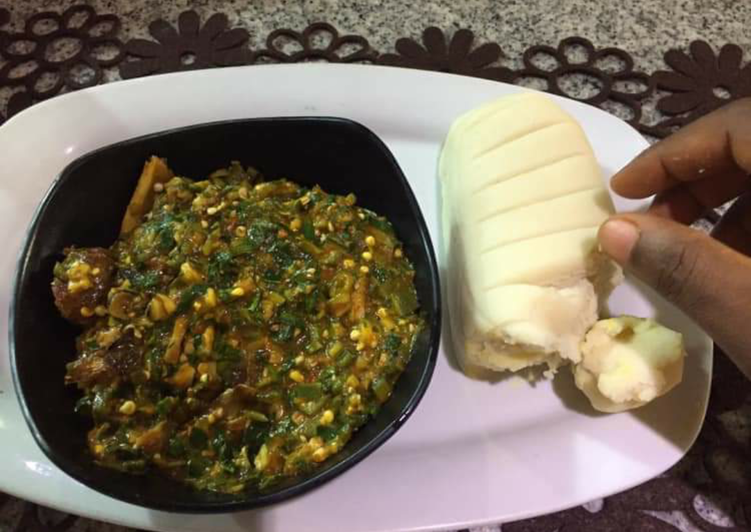 Okro soup with pounded yam