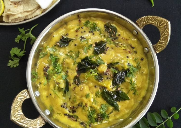 Traditional African Foods PITHLA BHAAKAR (Traditional Maharashtrian Dish)