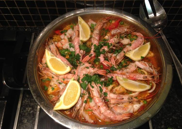 seafood paella recipe main photo 2