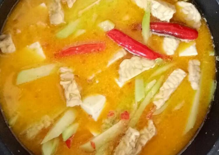 spicy coconut soup with vegetables and tofu sayur lodeh pedas recipe main photo