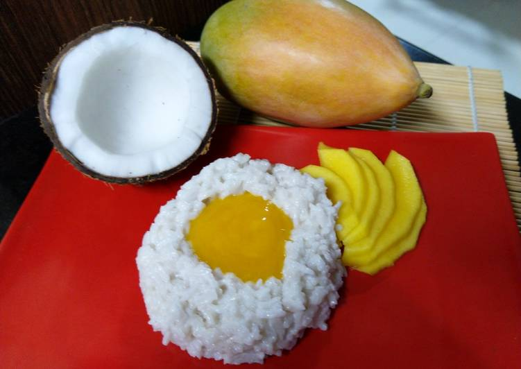 African Cuisine Sticky Coconut Rice With Mango