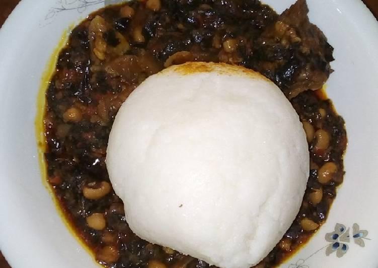 Traditional African Foods Tuwon shinkafa and bitterleaf soup