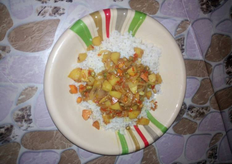 White rice with vegetable soup