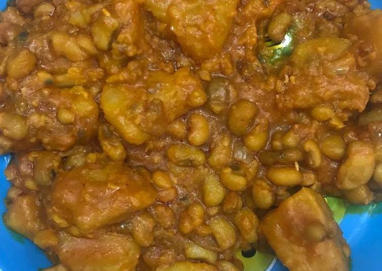 Traditional African Foods Yam and plantain porridge